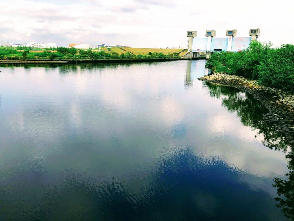 新水門の通称は青水門
